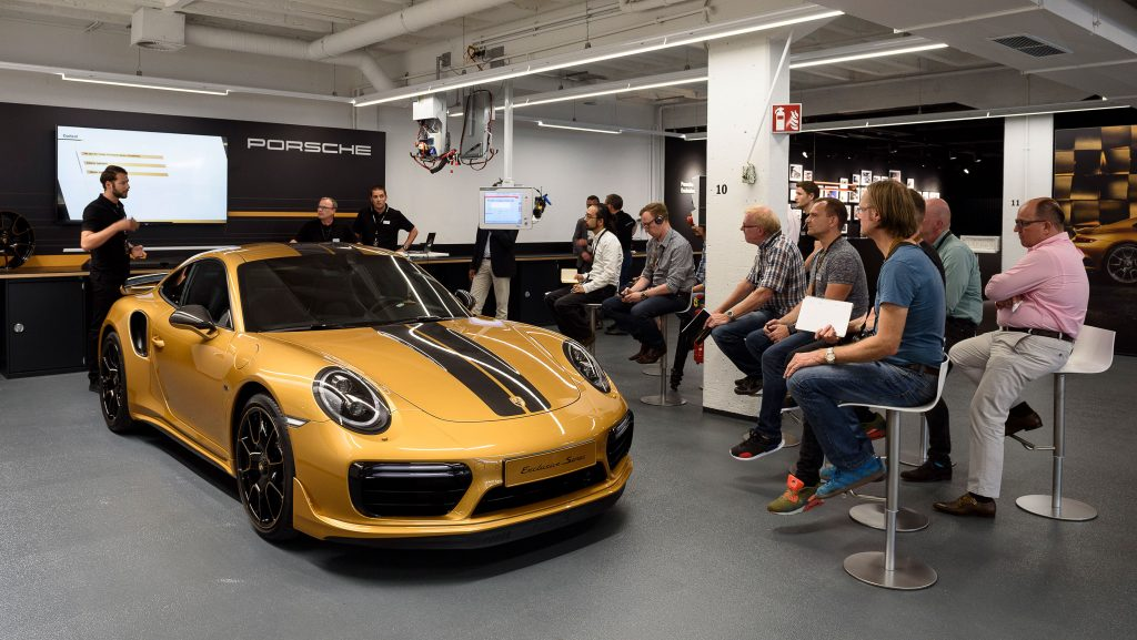 911 Turbo S Exclusive Series (3)